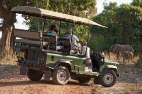 mana pools, safari jeep